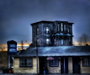 The Bates Motel at night