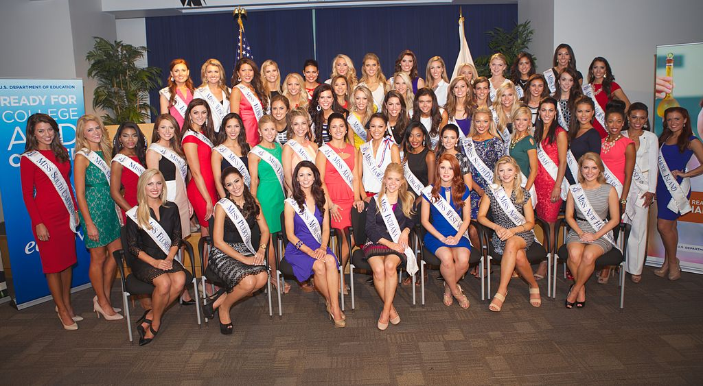 Miss America 2015 Contestants By US Department of Education [CC BY 2.0 (http://creativecommons.org/licenses/by/2.0) or CC BY 2.0 (http://creativecommons.org/licenses/by/2.0)], via Wikimedia Commons